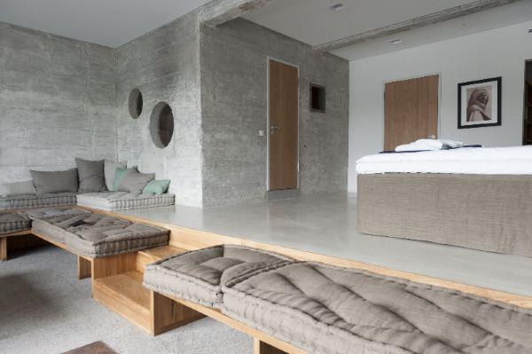 Sichtbeton-Boden im Hotelzimmer bei Speicher7 in Mannheim